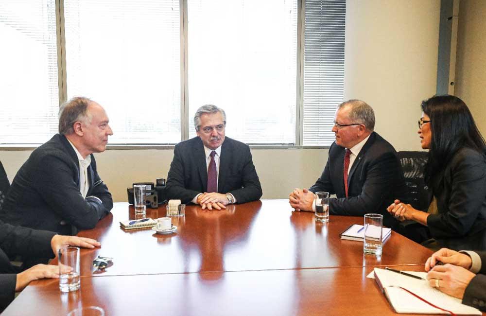 Macri y Fernández se reunieron por Vaca Muerta con representantes de la petrolera Equinor