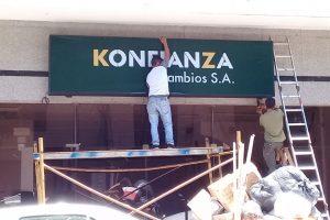 Abre Konfianza, la quinta casa de cambios y Posadas se convierte en la «capital del dólar»