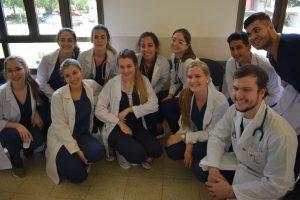 Tiempo de cosecha para la UCAMI, egresaron los primeros médicos de Misiones