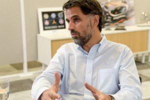 CEO de Mercedes Benz reconoce que sostienen la producción «con el auxilio del mercado externo»