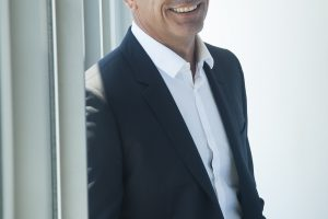 Nobile asume como CEO de Telecom