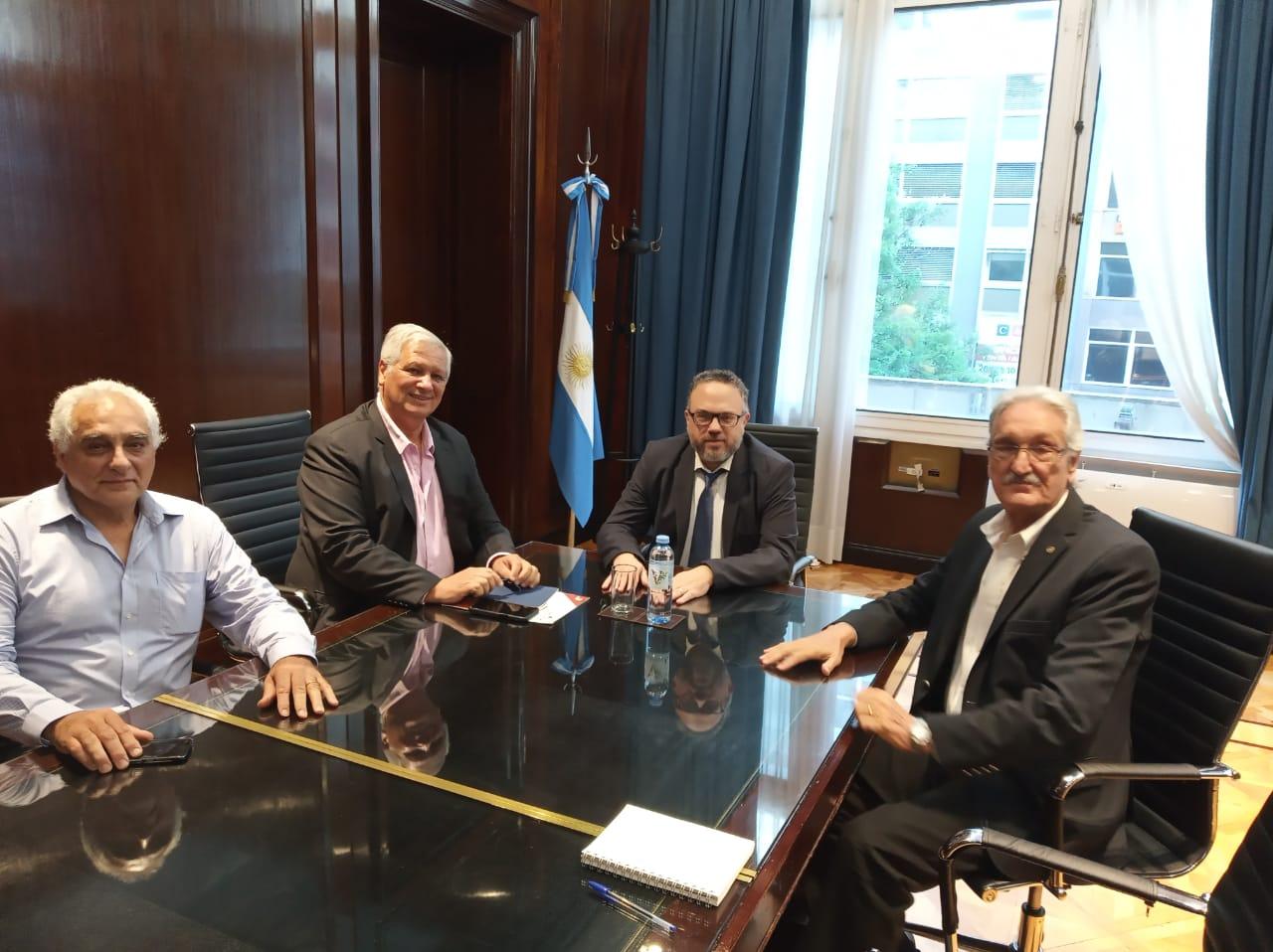 Fachinello: «Fue muy positiva la reunión con los funcionarios de la Nación»