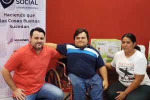 Asociación recibió cuatro máquinas de coser de IPLyC Social