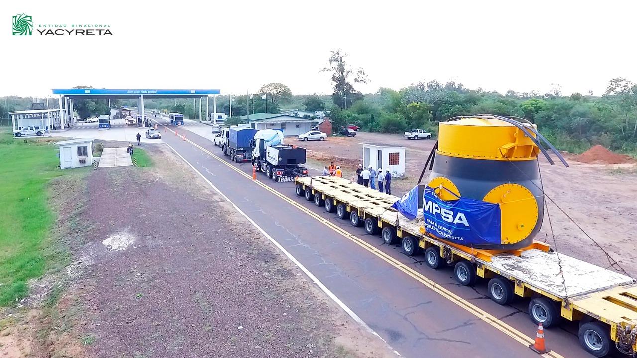 Turbina nueva para Yacyretá y energía para el país: Pesa 250 toneladas,  es «made in Argentina» y llegó desde la Cordillera a 50 km por hora