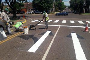 Trabajan en la demarcación calles y avenidas en la ciudad