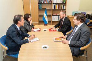 El ministro Guzmán se reunió con los técnicos del FMI en Washington