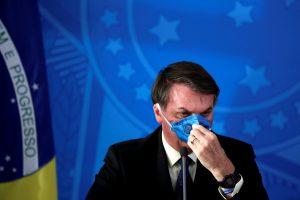 Jair Bolsonaro pone en riesgo la salud de los brasileños y de la democracia