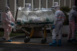 'Ya está en todas partes': La demora en las pruebas retrasó la respuesta de Estados Unidos ante el coronavirus